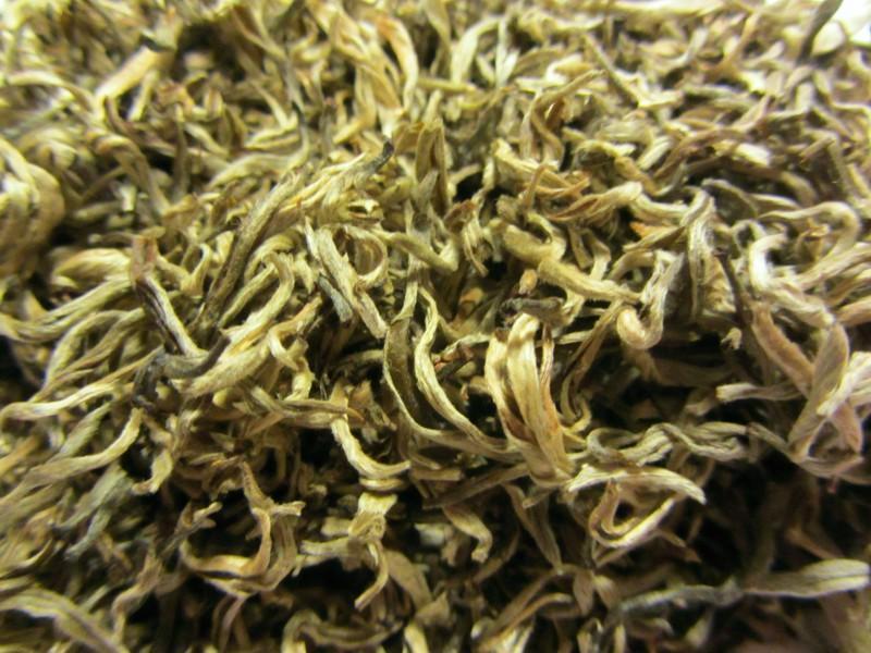 Hue Rong Tee
